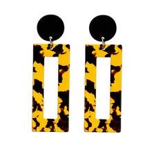 Nueva moda Vintage acrílico cuadrado geométrico Pendientes para mujeres  Punk Carey Pendientes de botón Pendientes accesorios de . b34ed7bf703