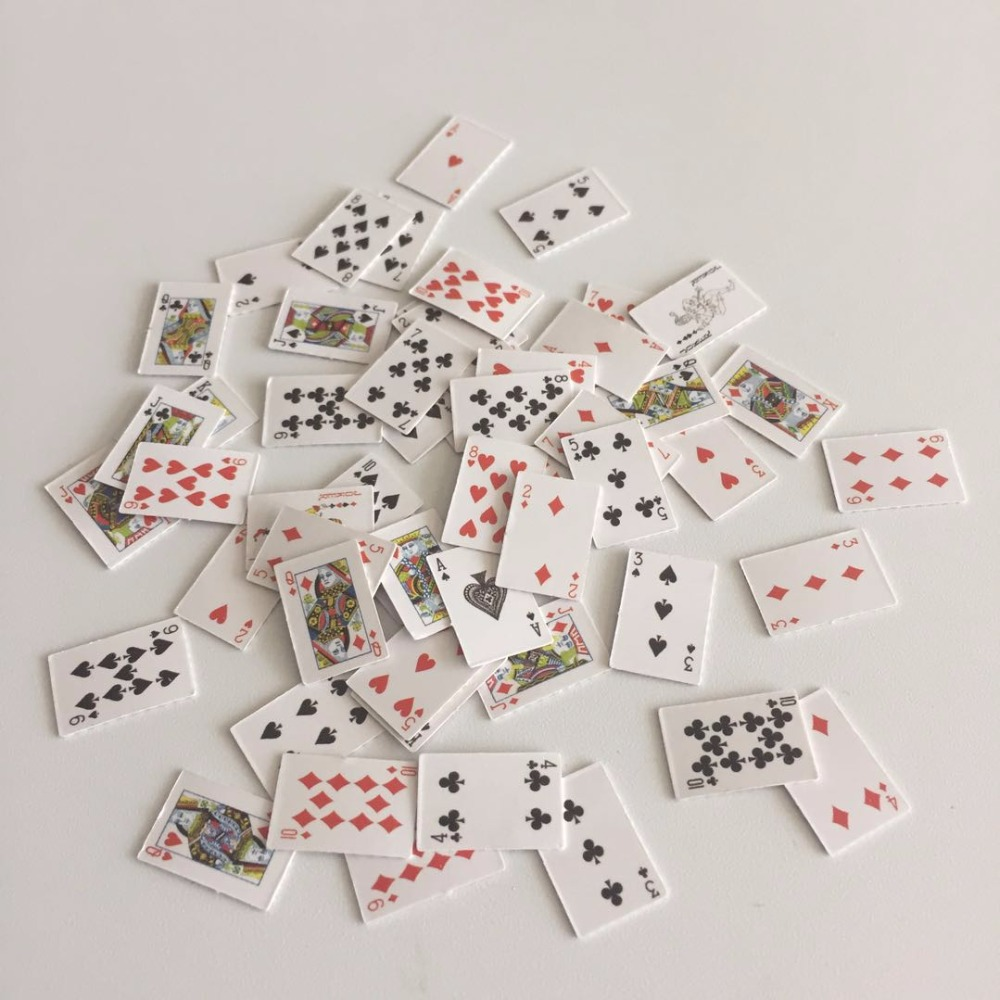 1 Sets Miniature Playing Cards Poker Dollhouse 1//6 Scale Games Accessories