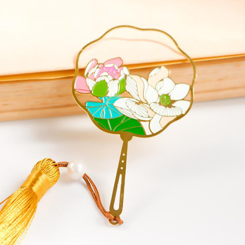 1 Pcs Cute Chinese Style Hollow Fan Shape Lotus Flower Ginkgo Leaf Tassel Bookmarks Gift Stationery Book Marker Clips