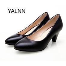 YALNN Классический Характер Женщины Кожаные Ботинки 5 см Med Шпильке высокое Качество Скольжения на Классические Белые Туфли Офис Девушки Насос обувь