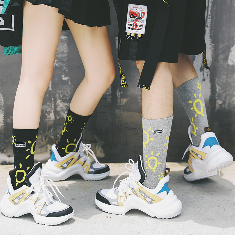 New Men And Women Cotton Harajuku Sun Pattern Black Sports Hip Hop Street Fashion Cool Running Hip-hop Couple Skateboard Socks