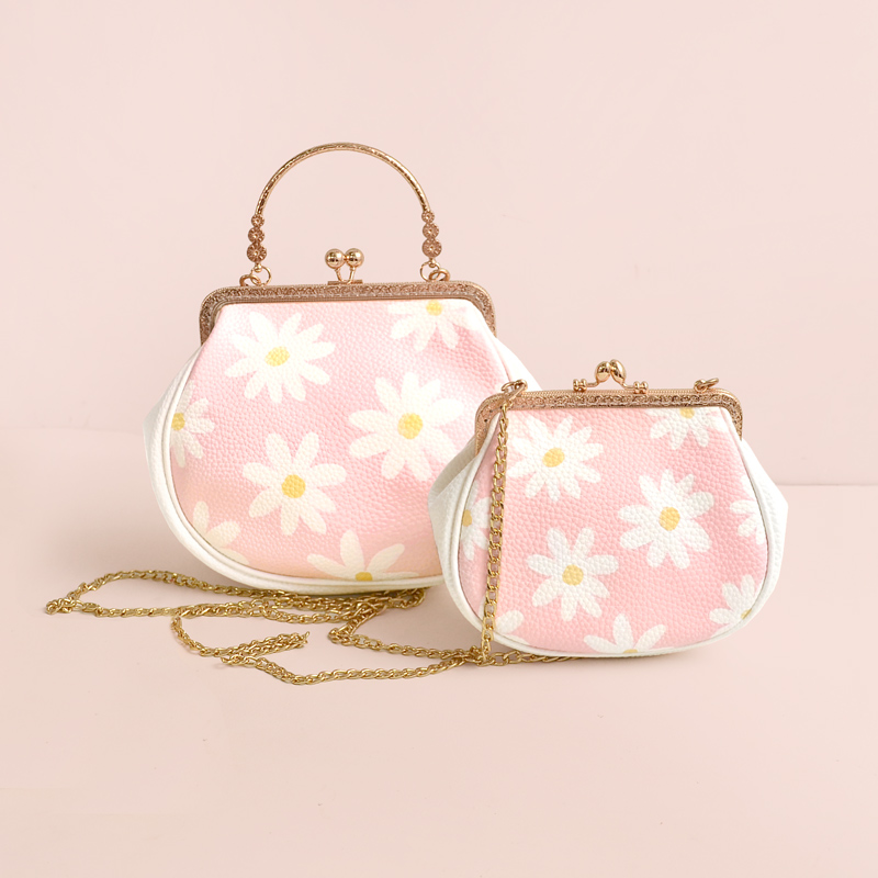 Princess sweet lolita bag Original small pig bag daisy print small fresh flower mouth gold bag soft satchel women CC073