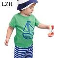 LZH 2017 Bebés Que Arropan los Niños Barco de Impresión de Moda de Verano camisetas Casual + Pantalones Cortos de Rayas Ropa de Niño Ropa de Los Niños determinados