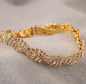 2019 New Arrivals Hot Fashion Bijoux Sparkling Crystal Wavy Charm Cuff Bracelets Bangle For Women Jewelry Summer Style Beach