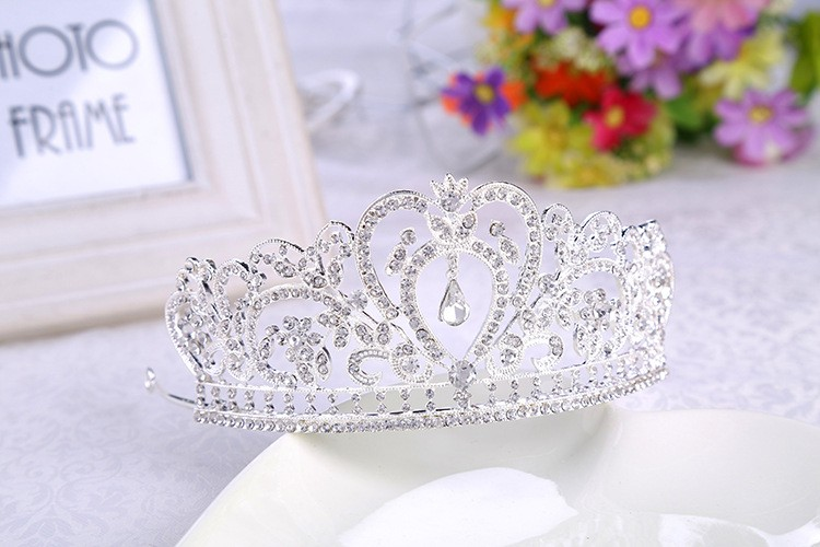 HTB1ZZAeLXXXXXanXpXXq6xXFXXXS Glamorous Wedding Pageant Prom Rhinestone Crystal Crown For Women - 5 Colors