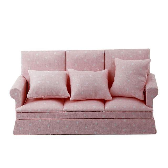 1:12 Dollhouse Miniature Móveis para Sala Três-Seater Sofá Conjunto Sofá Travesseiro Rosa