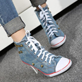 Nova Novidade Mulheres Sexy Rebites sapatos de Lona sapatos de Salto Alto Ankle Boots, meninas Jeans Casual Denim Bombas de Sapatos de Festa