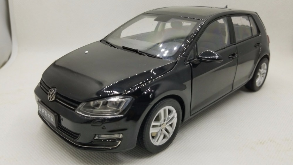 цена на 1:18 Diecast Model for Volkswagen VW Golf 7 Black Alloy Toy Car Miniature Collection Gifts MK7