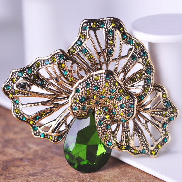High Quality Blucome Turkish Jewelry Green Antique Gold Color Flower Brooches Pins Corsages Water Drop Rhinestone Brooch Broche