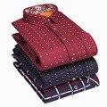 Men 's warm long - sleeved men' s long sleeve velvet thickening Slim type fashion polka dots trend men