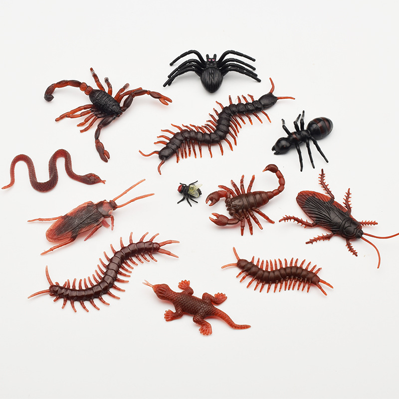 20Pcs Simulation Plastic Bugs Fake Spiders Scorpion Flies Bat For Halloween Party Favors Decoration Novelty & Gag Toys