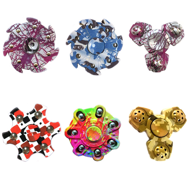 2017 New Tri-Spinner Fidget Toy Hand Spinner Stress Reliever