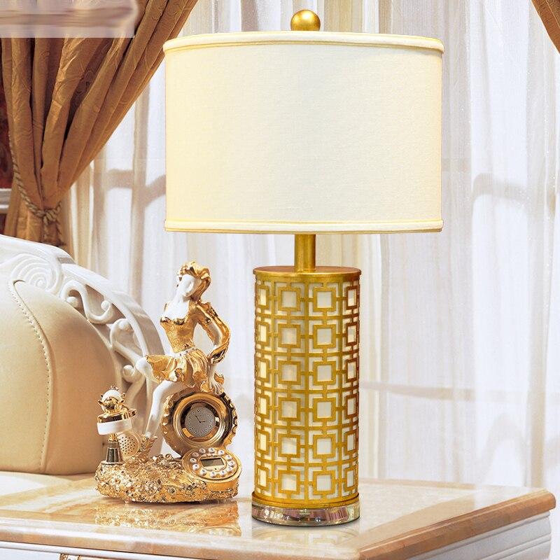 Простой и стильный гостиная, кованого железа настольная лампа спальня ночники кристалл лампы творческий Европейский декоративные