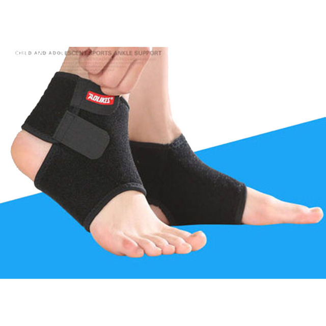 AOLIKES 1 Pair Chidren Kids Ankle Support Sport Breathable Ankle Brace Protector basketball sports support for children