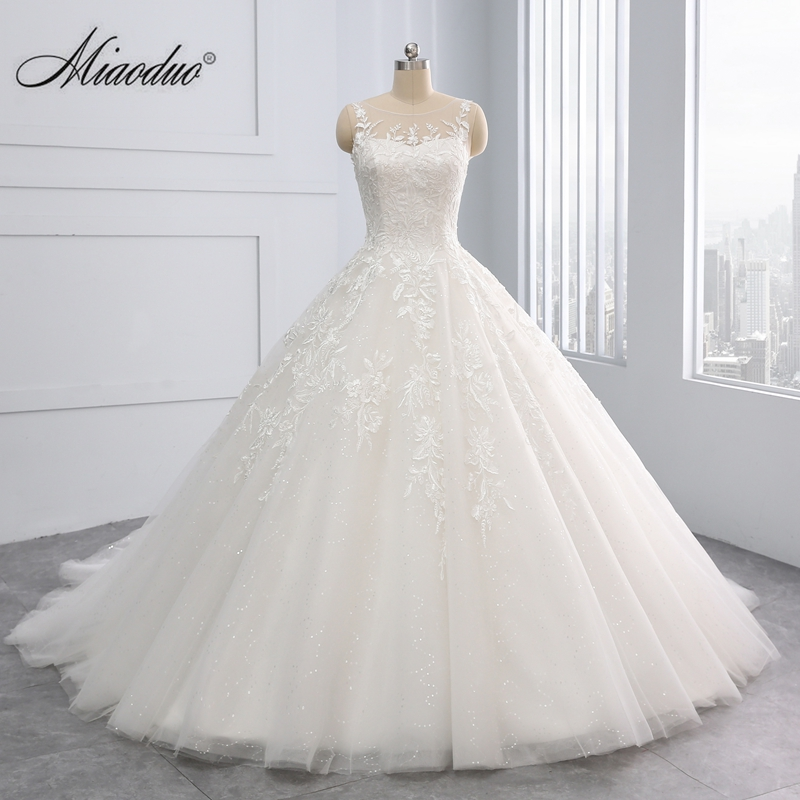 beautiful 2018 New Ball Gown Princess Wedding Dresses Lace Appliques Sequined Bridal Gowns the Back Lace