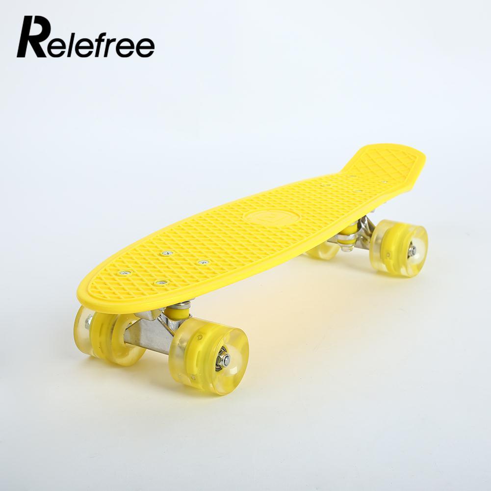 Durable Quatre Roues De Planche À Roulettes Planche À Roulettes Pont Sports Extrêmes Longboard Pratique Skate Board 3 couleur Planche de Bois Unique À Bascule