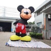 Индивидуальные дети как гигантские надувные мышь персонажи мультфильмов для наружной рекламы