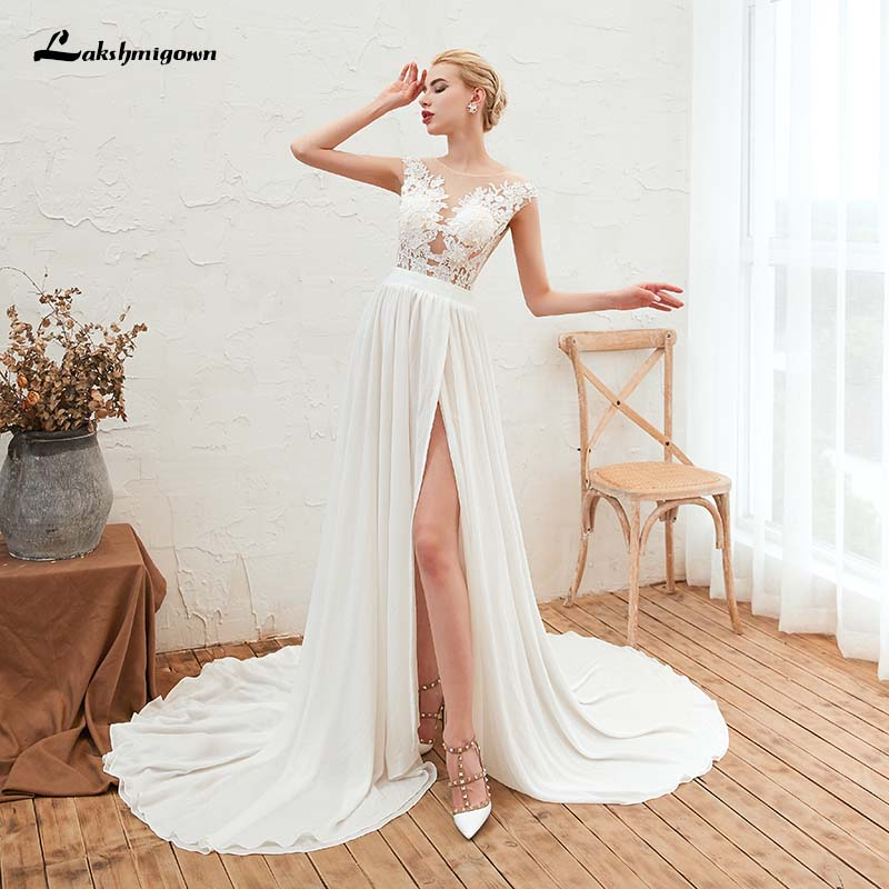 Sexy Side Slit Chiffon Beach Wedding Dresses 2019 Lace Appliques White lvory Bridal Gown with Buttons