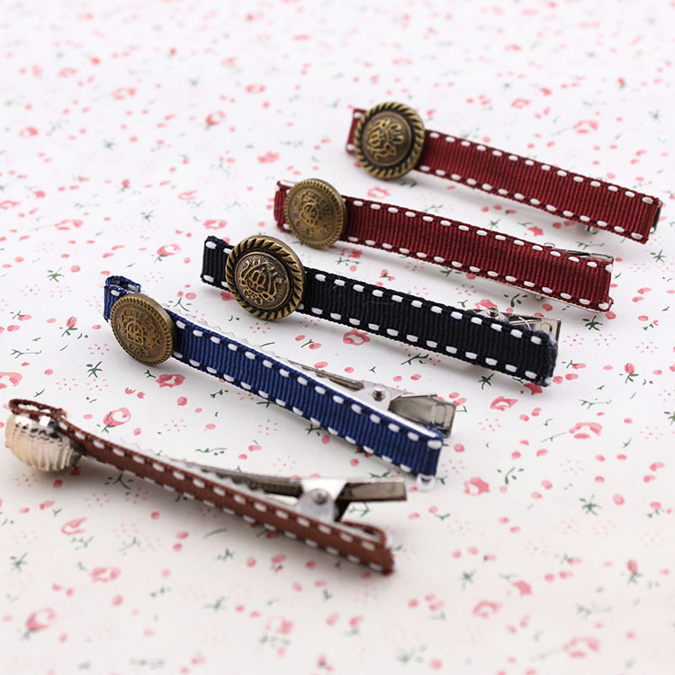South Korea button edge clip tire restoring ancient ways, free home delivery han edition hair pearl four petals small clip hairpin edge clip a word free home delivery