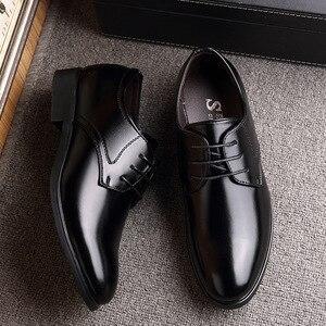 Image 3 - Mazefeng 2019ใหม่แฟชั่นธุรกิจรองเท้าผู้ชายรองเท้าหนังคลาสสิกผู้ชายชุดรองเท้าแฟชั่นLace Upรองเท้าผู้ชายoxfords