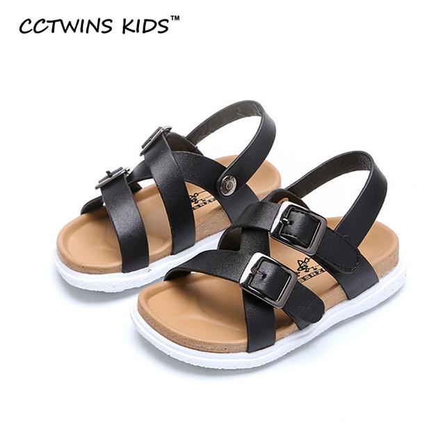 CCTWINS CRIANÇAS 2017 moda primavera verão sandálias de praia crianças pu sapato de couro liso para o bebé branco criança garoto negro chinelo
