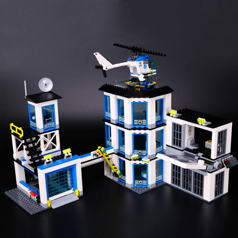 Lepin 02020 City Series The New Police Station Set Children Educational Building Blocks Bricks Boy Toys Gift Model legoing 60141 965pcs city police station model building blocks 02020 assemble bricks children toys movie construction set compatible with lego