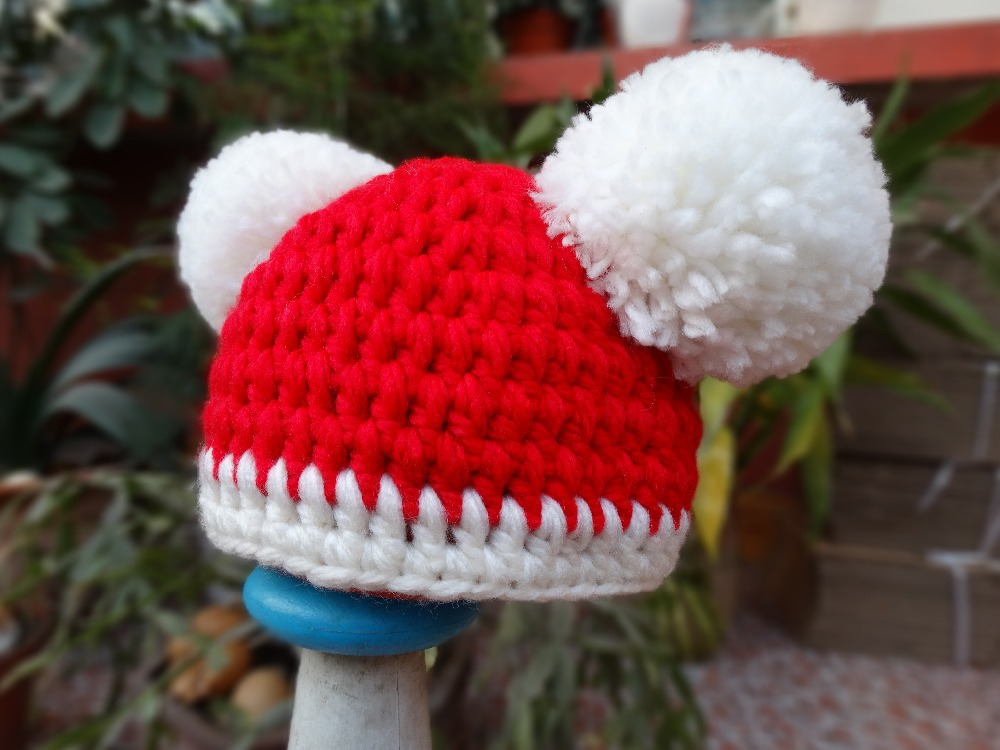 828482a10b2eb Christmas Baby Santa Hat Girl Pom Pom Beanie Hat Crochet Knit Baby Hat  Newborn Photography Props -in Hats   Caps from Mother   Kids on  Aliexpress.com ...