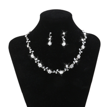 2019 Rhinestone Bridesmaid Jewelry Set for Women Bridal Crystal Flower Necklace and Dangle Earrings Set Gifts Fit Wedding Dress faux crystal flower necklace and earrings