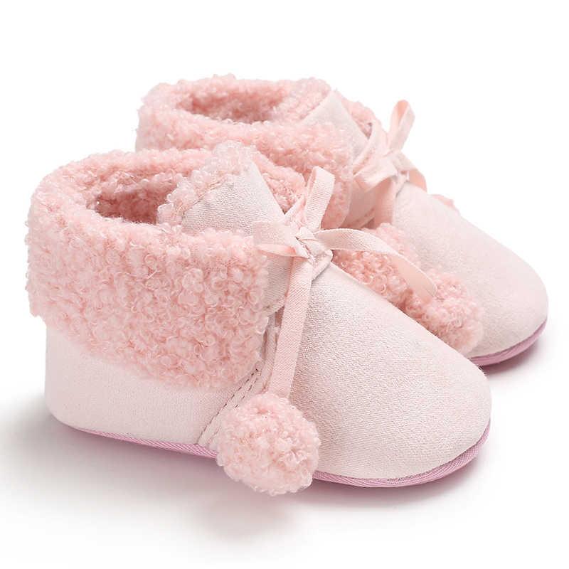Милые туфли для маленьких мальчиков и девочек с двойным шариком; Детские Зимние теплые плюшевые пинетки для малышей; мягкие тапочки; детские пинетки для малышей