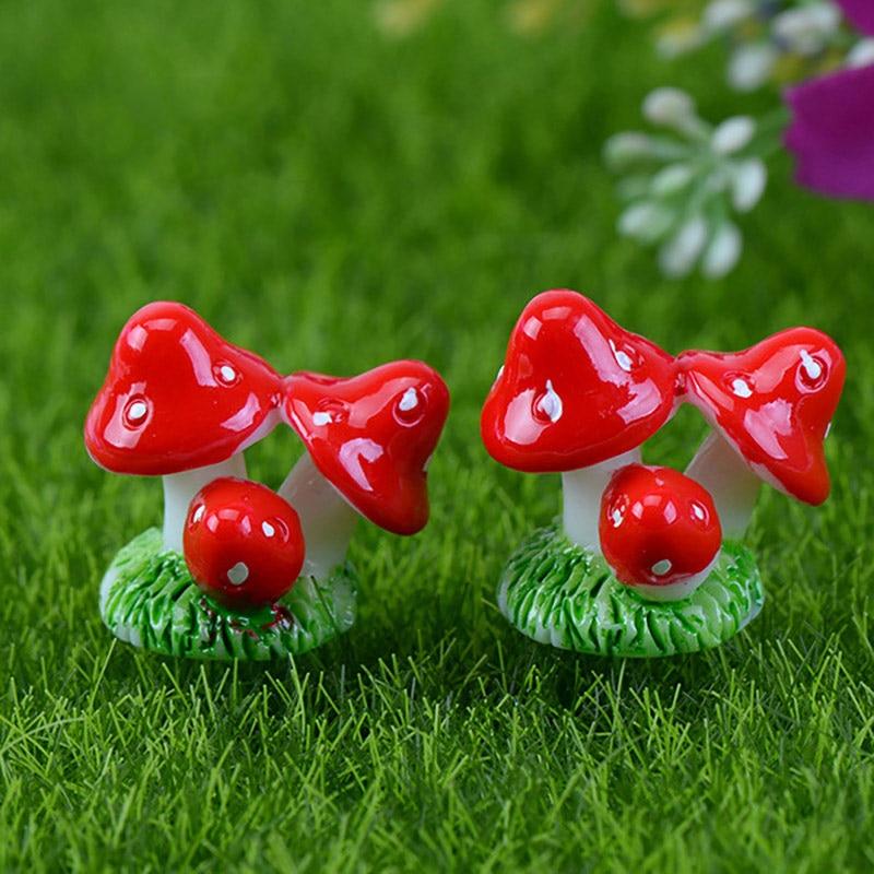 5Pcs Micro-Landscape Ornaments Artificial Mini Mushroom Miniatures Fairy Garden Moss Terrarium Resin Crafts Decorations Craft
