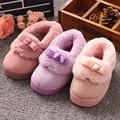 2016 Маленькие дети 1-4 лет Новый милый лук кнопка с хлопка тапочки детские ботинки хлопка дети крытый удобная обувь