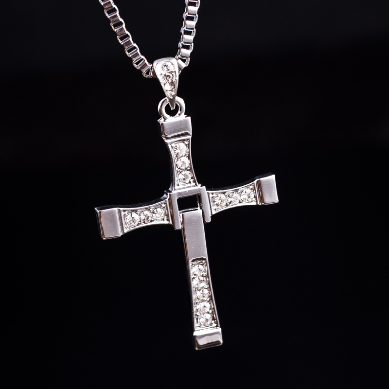 product New Fashion Fast and Furious Necklace Man Cross Necklace Man Praying Holy Article Dominic Toretto Jesus Necklace