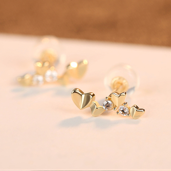 Exquisite 14k Gold Heart Stud Earrings 3