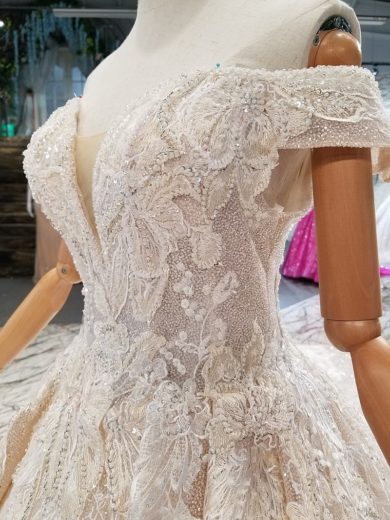 Image 4 - LS014478 shiny wedding gown with glitter sweetheart off shoulder lace up v back wedding dresses from real factory free shipping-in Wedding Dresses from Weddings & Events
