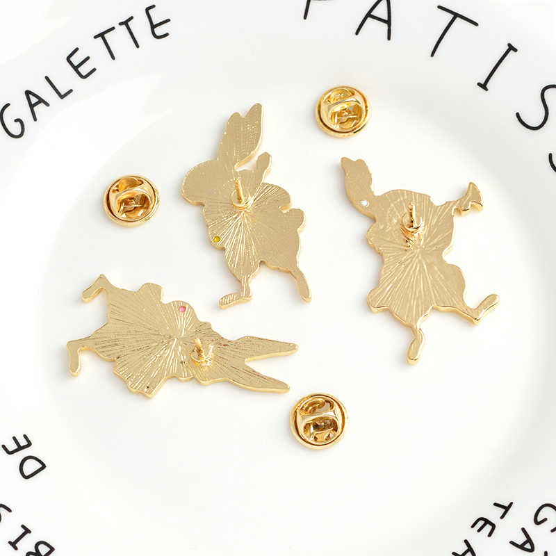 QIHE Perhiasan Pin dan Bros Musisi Banjo/Akordeon/Terompet Kelinci Pin Kelinci Pin Kelinci Perhiasan Lucu Kawaii Hadiah