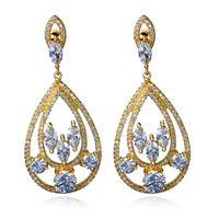 تعزيز تصميم جديد أقراط الأزياء والمجوهرات النساء أنيقة أعلى جودة الأبيض مكعب زركونيا أقراط الذهب اللون بالجملة