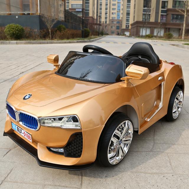 Com 2.4g Controle Remoto porta Dupla Aberta crianças andam em carrinho de bebê de quatro rodas elétrica dual drive luz música sit carro