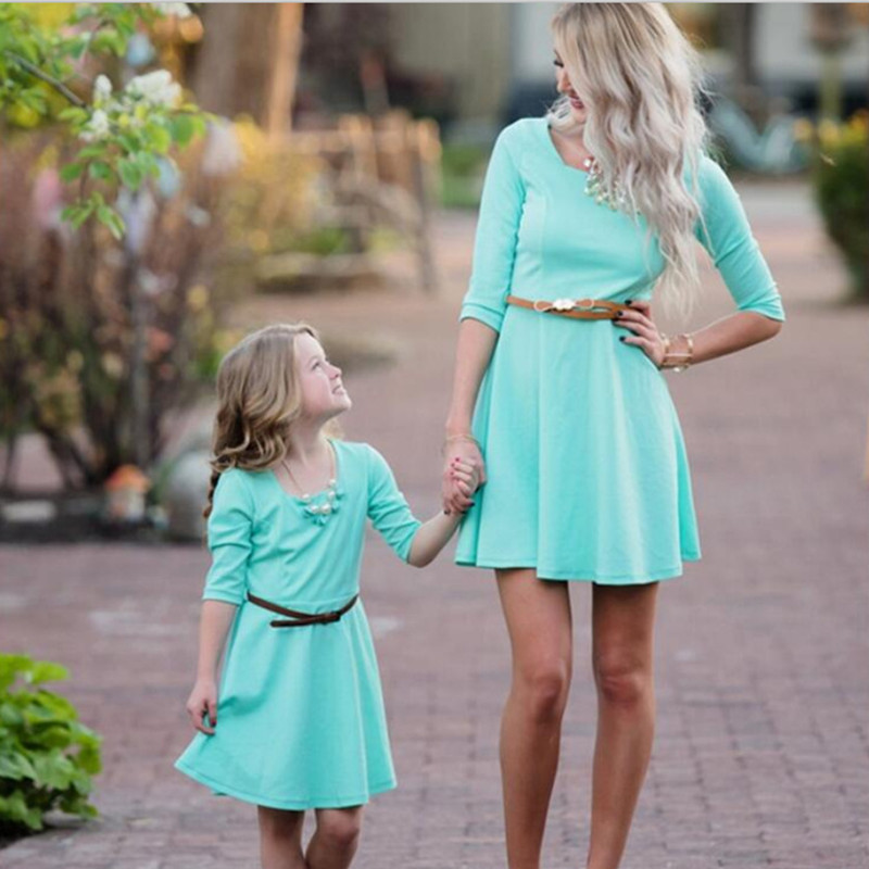 2017 New Family Matching Outfits Fashion Cotton Solid Mother And Daughter Dresses Mommy And Me Family Look Casual Clothing