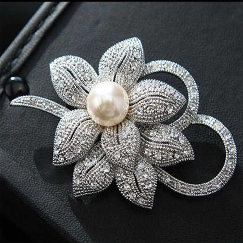 LNRRABC Fashion Women  Silvery Color Flower Shapes Crystals Imitation Pearl Brooch Pin Jewelry Gift pins broches de strass luxo