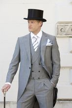 2017 Latest Coat Pant Design Light Grey Tailcoat Men Suit Slim Fit 3 Piece Tuxedo Custom Groom Blazer Style Suit Terno Masculino