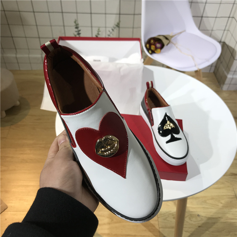 White Leather Woman Shoes Gold Metal Decor Heart Shaped Slip On Woman Loafers Women Casual Shoes Chic Women Flats Trendy White Leather Woman Shoes Gold Metal Decor Heart Shaped Slip On Woman Loafers Women Casual Shoes Chic Women Flats Trendy
