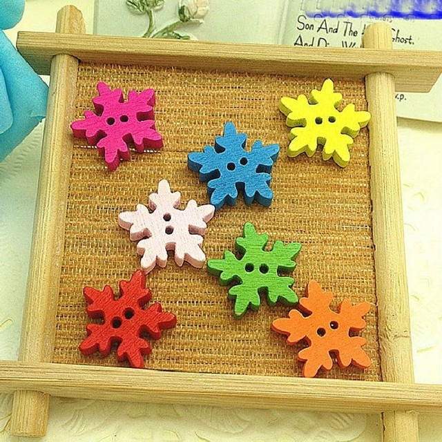 New 50pcs Snowflake Shape Buttons 2 Holes Wooden Buttons Sewing Buttons Craft Scrapbooking Clothing Accessories Fashion