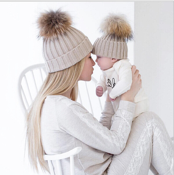 2018 New Fashion Mommy and Me Winter Warm Hats Baby Boys Girls Hats Crochet Knit Hairball Beanie Caps new amazing winter hats for women snow caps warm knit skullies and beanies solid color hot 1