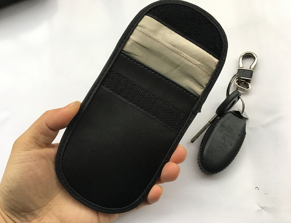 Car Keyless Home Storage Bags Organization Phone Car Key Keyless Entry Fob Signal Guard Blocker Black Faraday Bag                (4)