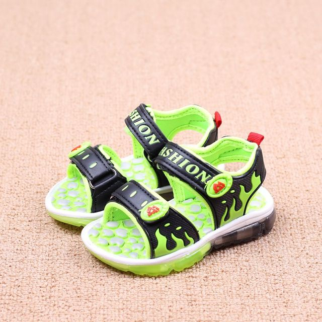boys sandals with light 2016 new summer fashion led princess girls sandals  shoes kids beach flame 4800c07fd541