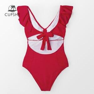 Image 2 - Cupshe赤フリルワンピース水着女性のセクシーな縛ら弓モノキニ 2020 ガールソリッドカットアウト水着