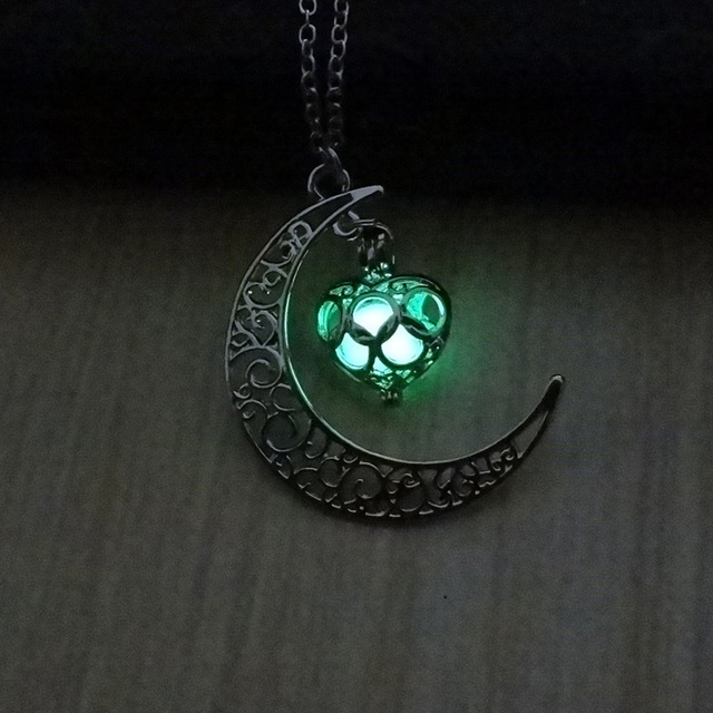 2018 Glowing In The Dark Pendant Necklaces Silver Plated Chain Necklaces Hollow Moon & Heart Choker Necklace Collares Jewelry 1