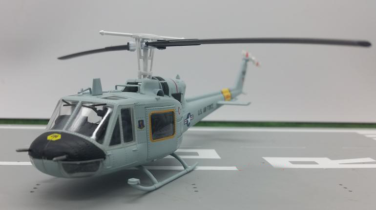 1:72 UH-1 F Huey Armed Helicopter Model 36917 Collection 1/72 Scale Plane Model Airplane Models Helicopter
