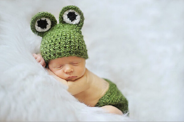 Handmade unusual baby newborn aminal frog knit costume photography prop crochet beanie hat cap