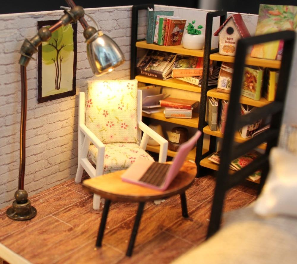 Cute Families House Diy Dollhouse Creative Custom Model DIY Cabin Nordic Mini Assembled Wooden Flash Birthday Gift